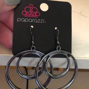 Super cute hoop earrings gun metal finish